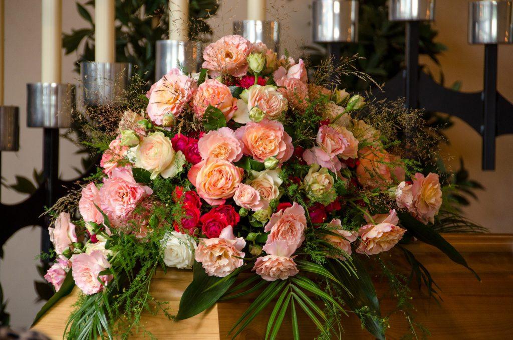 Fleurs De Deuil Quoi écrire Sur Un Ruban Des Obsèques